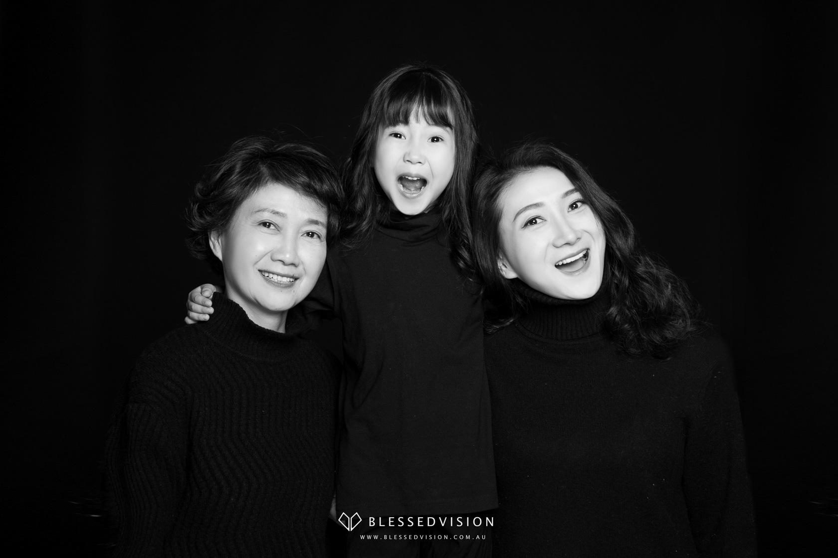 Studio Photography family baby newborn portrait photography Blessed Vision 人像摄影 宝宝照 棚拍 孕妇照 中国风 (1 of 29)